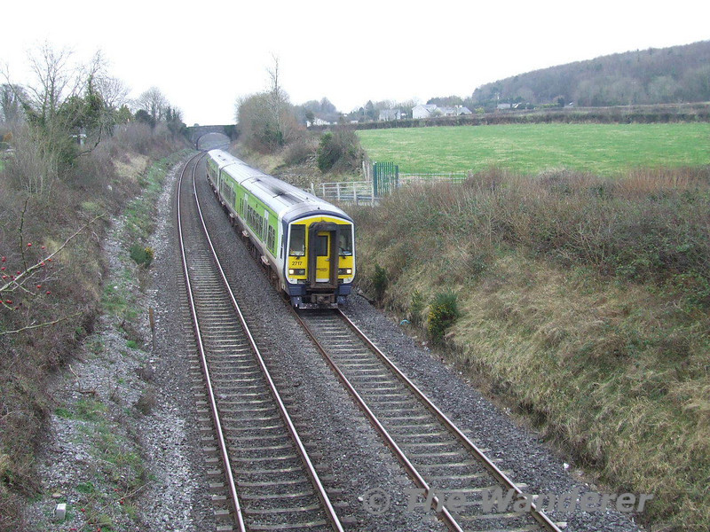 2718 + 2717 + 2726 + 2723 returned to Cork working the 1400 Heuston - Cork, seen leaving Portarlington. Sun 10.02.08