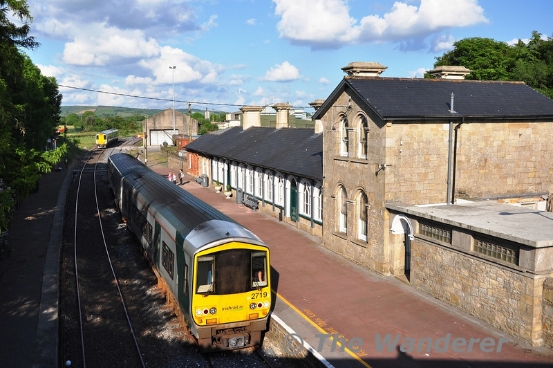 With 2708 + 2707 departing for Ballybrophy, 2719 + 2722 await to depart for Limerick. Tues 29.05.12