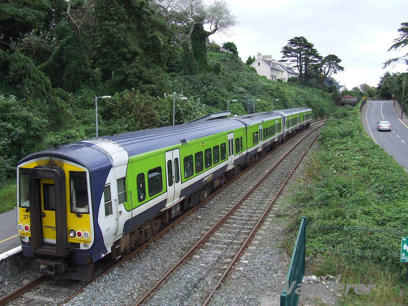 The 1300 Cork - Cobh at Rushbrooke, the final stop before Cobh. Mon 29.09.08