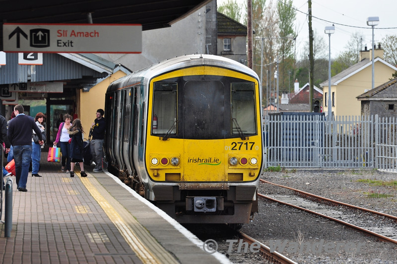 Exit this way. The 2700 Class DMU's will soon be heading to the exit from the everyday Irish Rail scene as they face imminent replacement by 2800 Class DMU's displaced from Dublin. 2717 + 2718 are pictured at Limerick Jct with the 1250 to Limerick. Sat 14.04.12