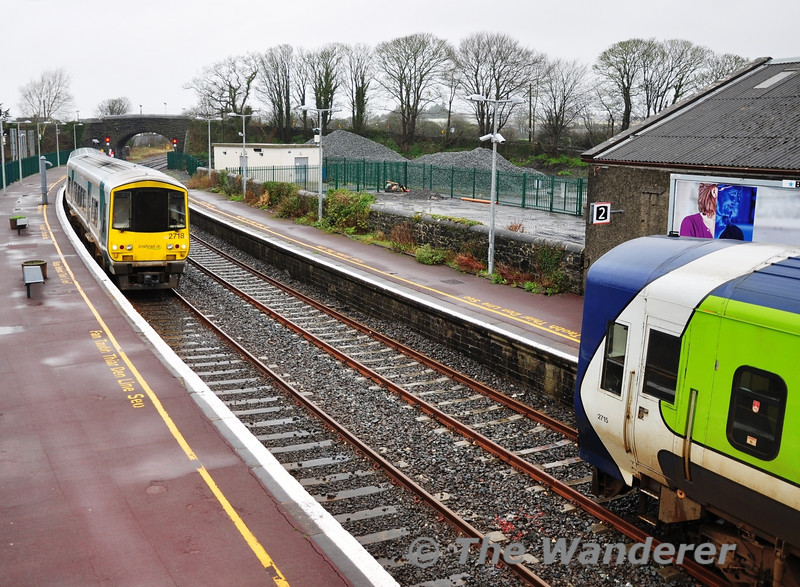 2718 + 2717 arrive at Ennis with the 1210 Galway - Limerick Western Rail Corridor service. Sat 31.12.11