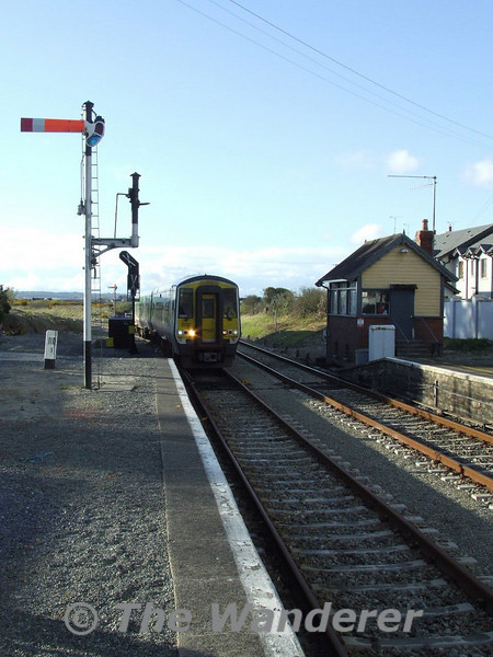2701 + 2702 rounds the curve into Rosslare Strand.  Thurs 10.04.08