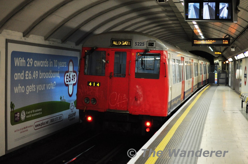 5225 brings up the rear of a Met line service at Kings Cross. Tues 11.05.10