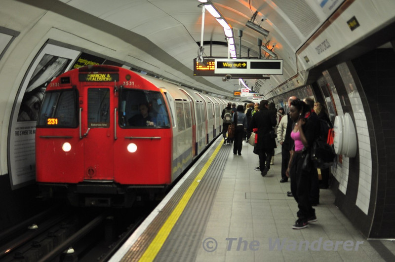 72 stock No, 3531 arrives at Oxford Circus with Harrow and Wealdstone service. Thurs 13.05.10.