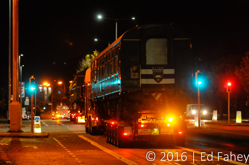 3CIG 1498 rolls through the streets of Dublin on its long trip to Enniscrone in Co. Sligo. Mon 17.10.16<br /> <br /> Photo courtesy of Ed Fahey.