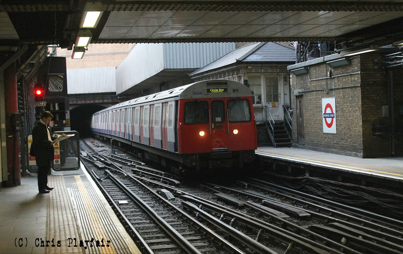 5604 arrives at Liverpool Street with a circle line service. 060613