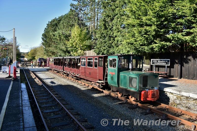 The WSVR train waits to depart Kilmeaden at 1200. Sun 27.10.19