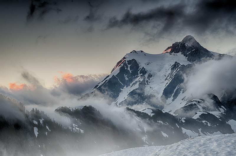 Mt Shuksan Sunrise Glow