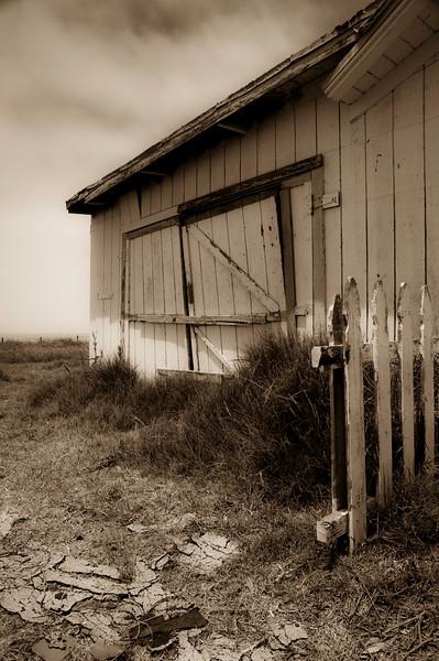 Old Garage<br /> San Simeon, California