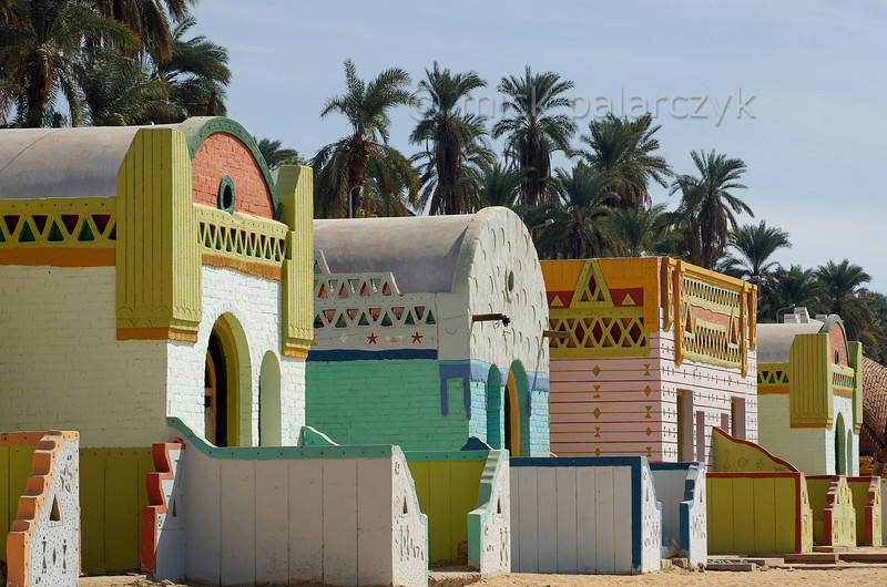 [Egypt 29764] 'Vacation cabins in Nubian style.'