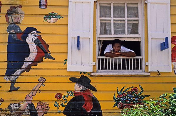 [ANTILLES.stMAARTEN 25.689]  'L'Escargot 2.'  Restaurant L'Escargot in Frontstreet, Philipsburg, St.Maarten's capital. Photo Mick Palarczyk.