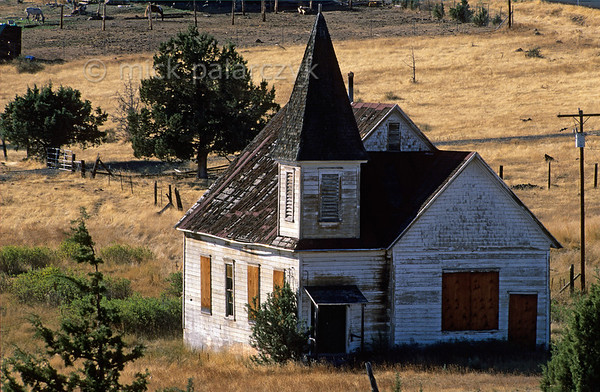 [USA.OREGON 28827] 'Church in Simnasho.'  	Disused church in Simnasho, a village in the Warm Springs Indian Reservation. Photo Mick Palarczyk.