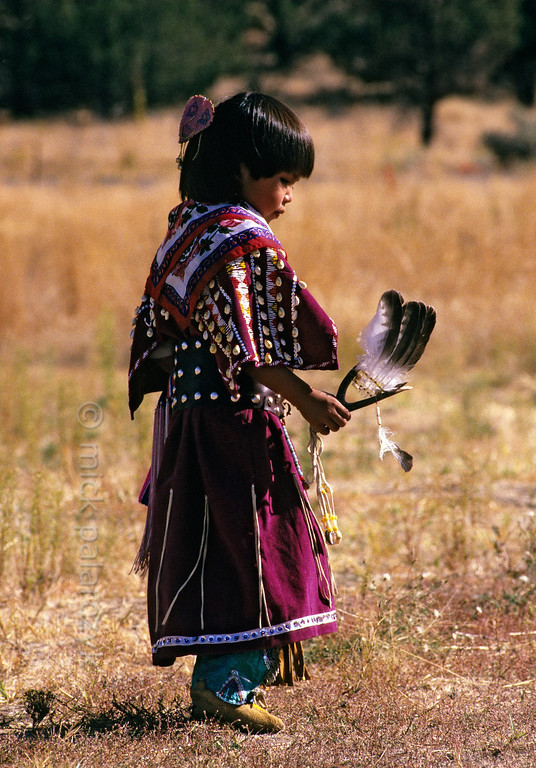 [USA.OREGON 28828] 'Indian girl.'  	A young member of the Walla Walla (or Warm Spring) Indian tribe and inhabitant of the Warm Springs Reservation. Photo Mick Palarczyk.