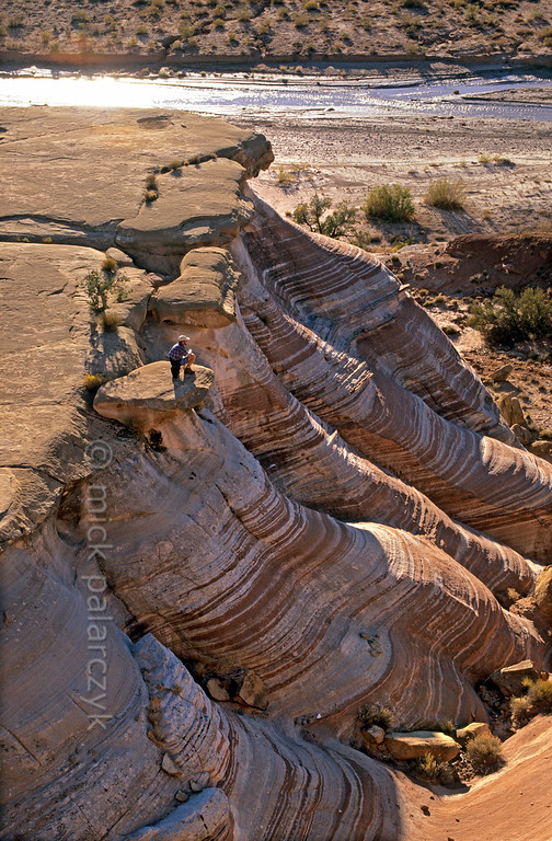 [USA.UTAH 28034] 'Paria Canyon entrance.'  At the entrance of the Paria Canyon east of Kanab (and south of route 89) weird shapes have been eroded in the sandstone landscape. Photo Mick Palarczyk.