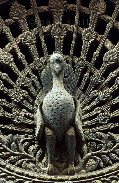 [NEPAL.KATHMANDUVALLEY 27394] 'Peacock window in Bhaktapur.'  The Peacock Window of Bhaktapur's Pujari Math (priests' quarters) is Nepal's most famous piece of woodcarving. The 18th century Pujari Math can be found on Dattatraya Square. Photo Paul Smit.