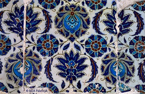 [TURKEY.EAST 27900] 'Iznik tiles in Diyarbakir-2.'  In spite of their battered appearance the original beauty of the Iznik tiles in Diyarbakir's  Nebi Mosque can still be appreciated. Photo Mick Palarczyk.