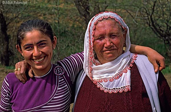 [TURKEY.EAST 27881] 'Grandmother and granddaughter.'  A grandmother and her granddaughter near the village of Catalcam, west of Göksun, in the Taurus mountain range. Photo Mick Palarczyk.
