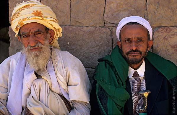 [YEMEN.NORTH 26363] 'Villagers of Sna-3.'  The sheikh (mayor) of Sna village (south of the capital Sanaa) poses together with a neighbour. Photo Mick Palarczyk.