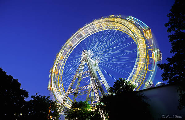 [AUSTRIA.WIEN 04270] 'Riesenrad/Giant Ferris Wheel.'  The famous Riesenrad (Giant Ferris Wheel) at Prater in Vienna by evening. Photo Paul Smit.