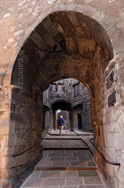 Gate in Annot.