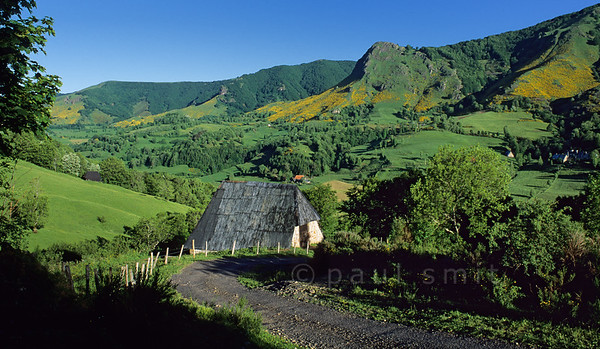 "[FRANCE.AUVERGNE 28906] 'Buron near St. Julien-de-Jordanne.'  The Vallée de Mandailles is one of the most beautiful valleys in the Monts du Cantal. It still has many old ""burons"" where once was (and sometimes still is) made cheese. Photo Paul Smit."