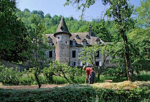 [FRANCE.AUVERGNE 28914] 'Castle of Belliac.'  The 18th century Château de Labie near the village of Belliac in the Vallée de Mandailles, northwest of Aurillac (Cantal). Photo Mick Palarczyk.