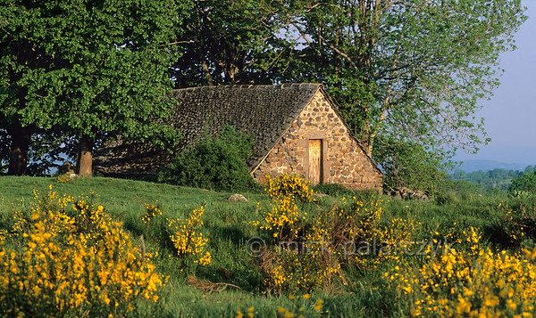 "[FRANCE.AUVERGNE 28937] 'Barn near Salers.'  The Cantal still has many old ""burons"": barns were once cheese was (and sometimes still is) made and laid to ripen. Photo Mick Palarczyk."