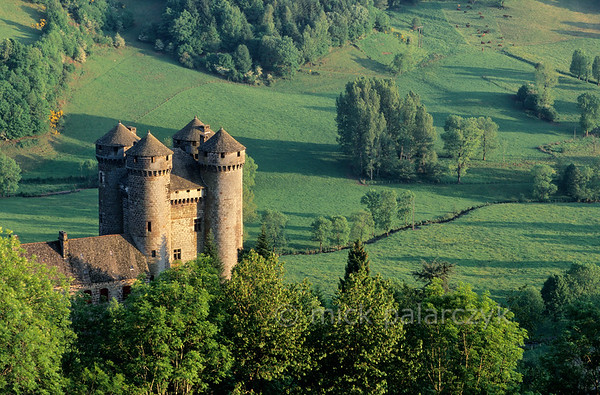 [FRANCE.AUVERGNE 28918] 'Castle of Anjony.'  The 15th century Château d'Anjony near the village of Tournemire (Cantal.) The castle was built by one of the battle comrades of Jeanne d'Arc and has since been owned by the same family. Photo Mick Palarczyk.