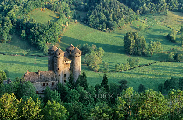 [FRANCE.AUVERGNE 28917] 'Castle of Anjony.'  The 15th century Château d'Anjony near the village of Tournemire (Cantal.) The castle was built by one of the battle comrades of Jeanne d'Arc and has since been owned by the same family. Photo Mick Palarczyk.
