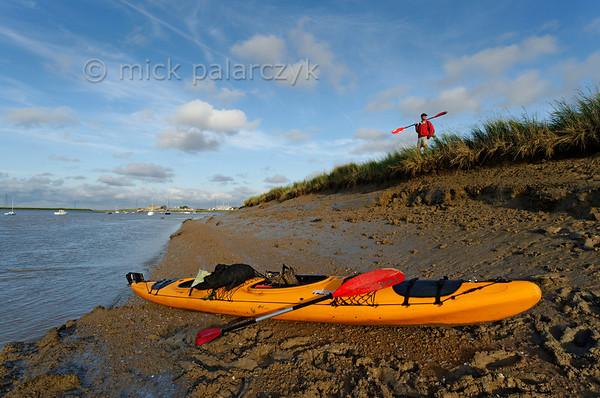 Kayak at river Sèvre Niortaise.