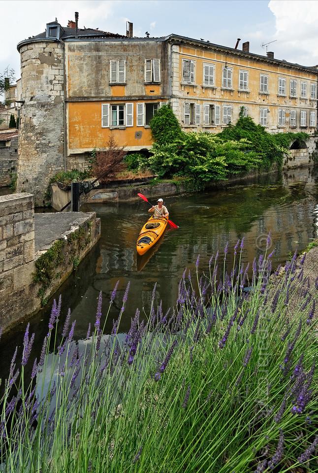[FRANCE. ATLANTIC 30004] 'Sèvre in old centre of Niort.'