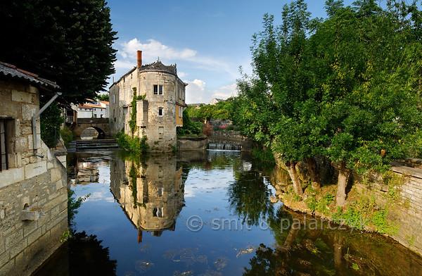 [FRANCE. ATLANTIC 30006] 'Sèvre in old centre of Niort.'
