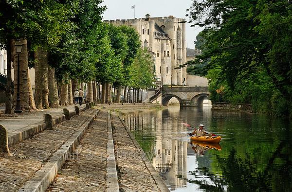 [FRANCE. ATLANTIC 29999] 'Donjon of Niort.'