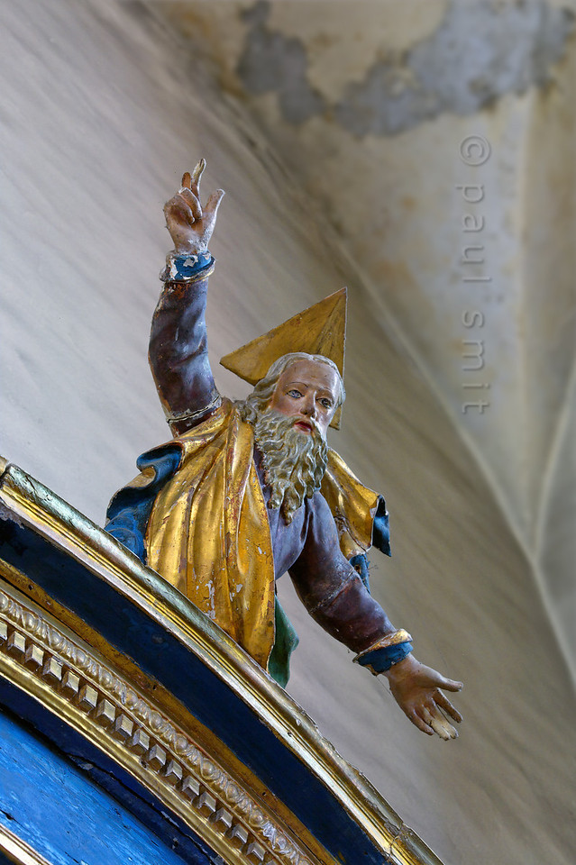 [FRANCE.ALPSNORTH 10937] 'Embrace of God.'  God, shown as the Eternal Father, shows the way ... to the Chemins de Baroque (the baroque trail), for which the Haute Maurienne is known. It is a route connecting more then 60 churches and chapels. But even churches officially not part of the trail, like this church of Bonneval-sur-Arc, offer beautiful baroque art. Photo Paul Smit.