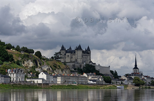 [FRANCE.LOIRE 10869] 'Saumur and its castle.'  Saumur and its medieval castle seen from the Loire. Photo Paul Smit.
