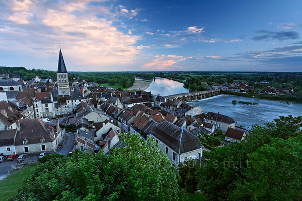 [FRANCE.BOURGOGNE 10773] 'View of La Charité-sur-Loire.'  Medieval La Charité-sur-Loire is best viewed from the defensive wall at its northern perimeter. The town is dominated by the spire of the Sainte-Croix-Notre-Dame. Photo Paul Smit.