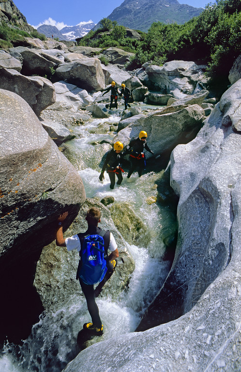 [FRANCE.ALPSNORTH 10940] 'Canyoning in river Arc.'  From Bonneval-sur-Arc upward the young river Arc has sculpted the granite. A nice spot for an introduction course in canyoning. Photo Paul Smit.