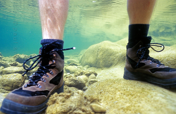 Wet-feet-hiking in the Bevera.