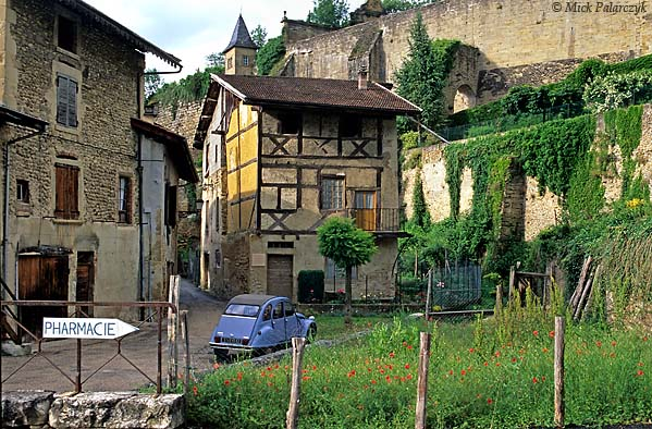 [FRANCE.RHONE 24.604 'Medieval village.'  	The medieval village of St. Antoine-l'Abbaye has retained much of its old houses. Photo Mick Palarczyk.