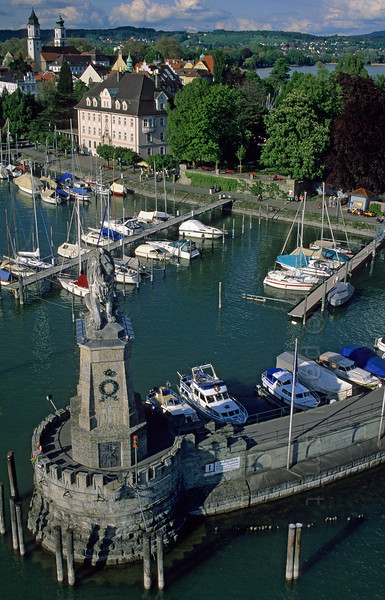 [GERMANY.BAYER 00672]  'Port of Lindau.'  Calling Lindau the 'Venice of Bavaria' is overstated, allthough indeed it's situated on an island. The other slogan fits better: 'The Happy End of Germany'. Photo Paul Smit.