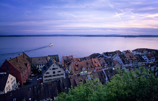 [GERMANY.BAWU 00709]  'Meersburg.'  It is the combination of a mild climate, friendly scenery and picturesque old towns like Meersburg that makes the Bodensee attractive. A fleet of round-trip-boats connects all towns and sites. Photo Paul Smit.