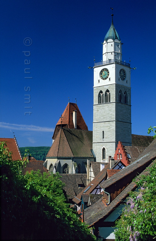 [GERMANY.BAWU 00732] 'Überlingen.'  The old centre of Überlingen, with the St. Nikolaus church rising above the rooftops. Photo Paul Smit.
