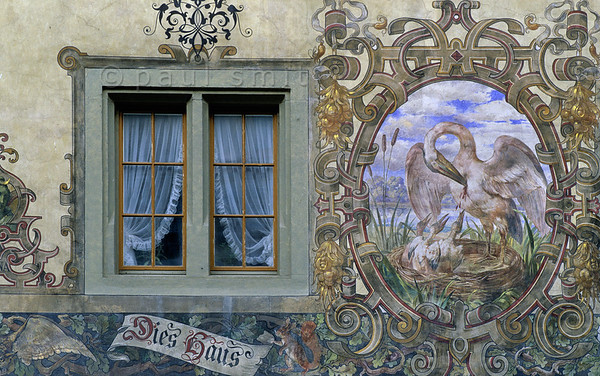 [SWITZER.MITTEL 00858] 'Fresco in Stein am Rhein.'  It is the market square that impresses you in Stein am Rhein: nearly every house and the town hall is covered with murals dating from around 1900, like here the Haus zum Pelikan. The pelican feeding its chicks with its own blood is a symbol for Jesus' self sacrifice on the cross. Photo Paul Smit.