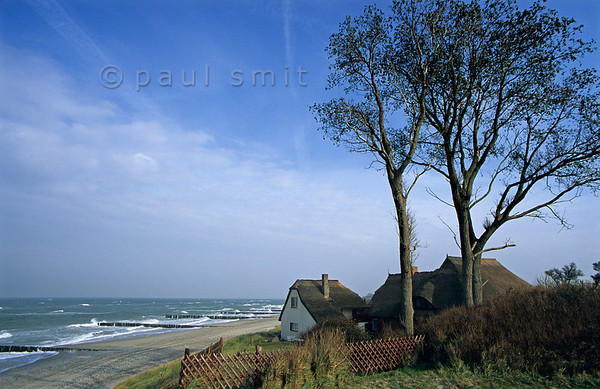[GERMANY.MECKLENBURG 9326] 'Beach of Ahrenshoop.'  You can understand why the village of Ahrenshoop was a painters colony in the early 20th century. It didn't loose its original charm and is beautifully situated along the coast of the Baltic Sea on the peninsula Fischland-Darss-Zingst. Photo Paul Smit.