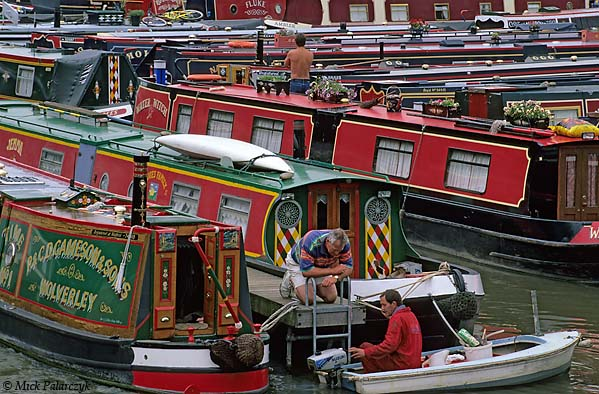 [BRITAIN.ENGMIDDLE 22.261 'Braunston Marina.'  	Colourful display of traditional narrow boats at Braunston Marina. Photo Mick Palarczyk.