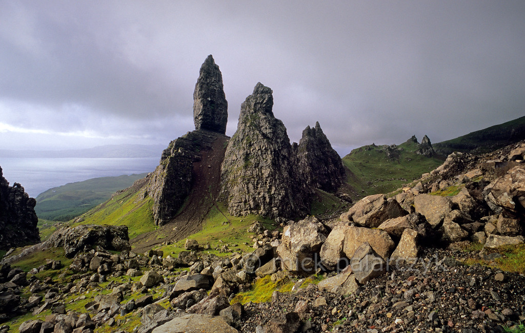[BRITAIN.HEBRIDES 27764]