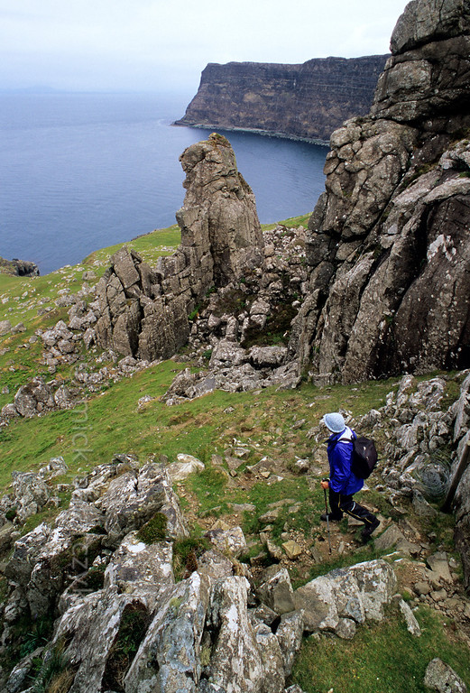[BRITAIN.HEBRIDES 27828]
