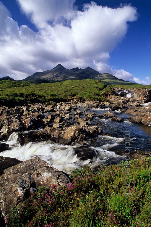 [BRITAIN.HEBRIDES 27834]