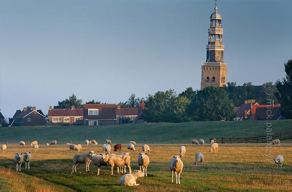 [HOLLAND.FRIESLAND 30186] 'Shore of IJsselmeer at Hindeloopen.'
