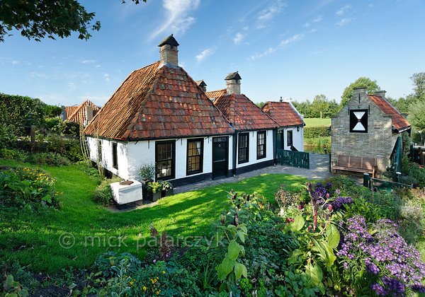 [HOLLAND.FRIESLAND 30208] 'Cottage at Workum.'